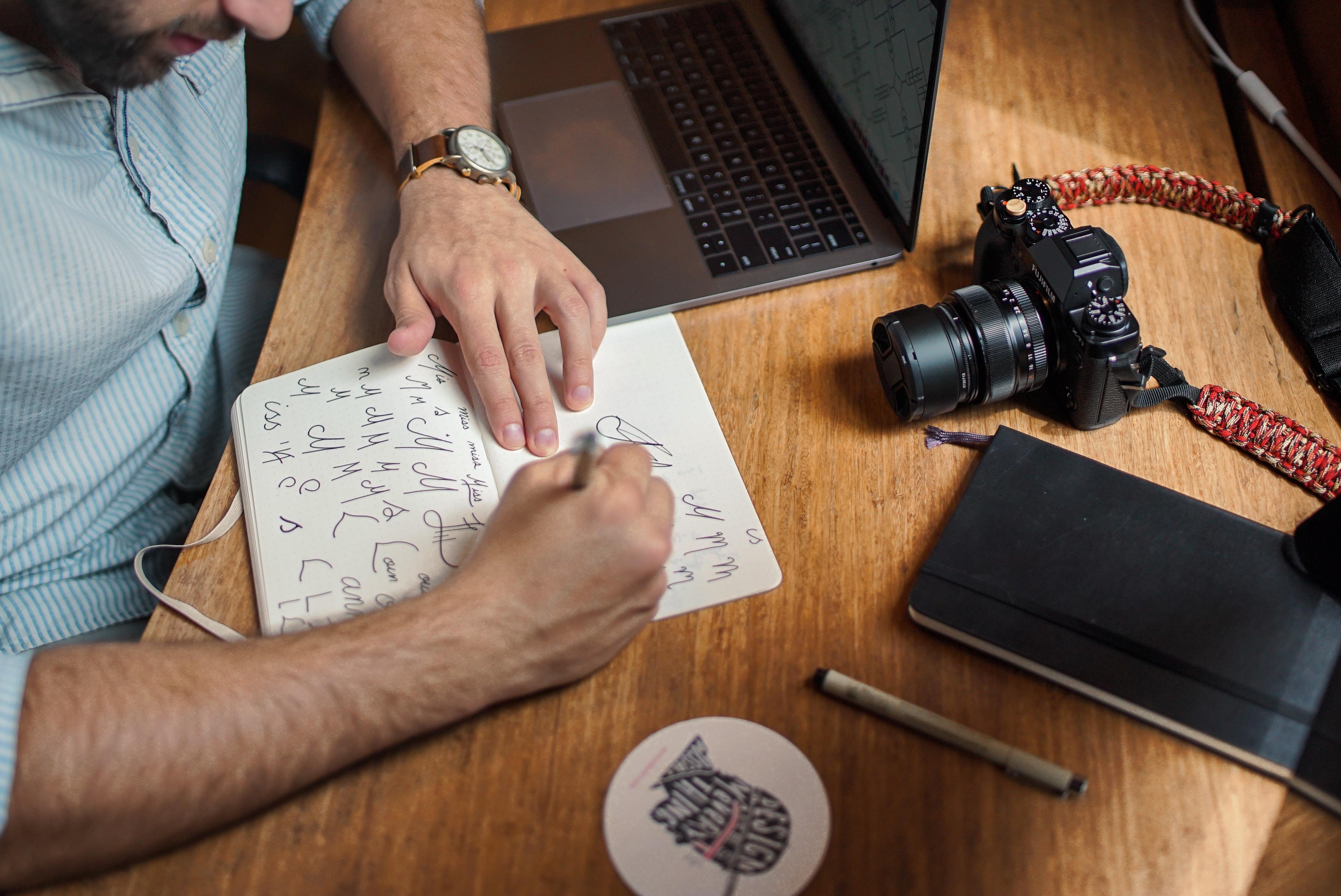 image Graphiste freelance—pensez au statut MDA